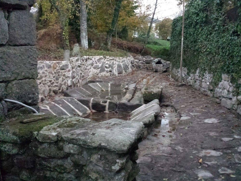 Fonte e lavadoiro dos Pozos. Fonte de Guamil
